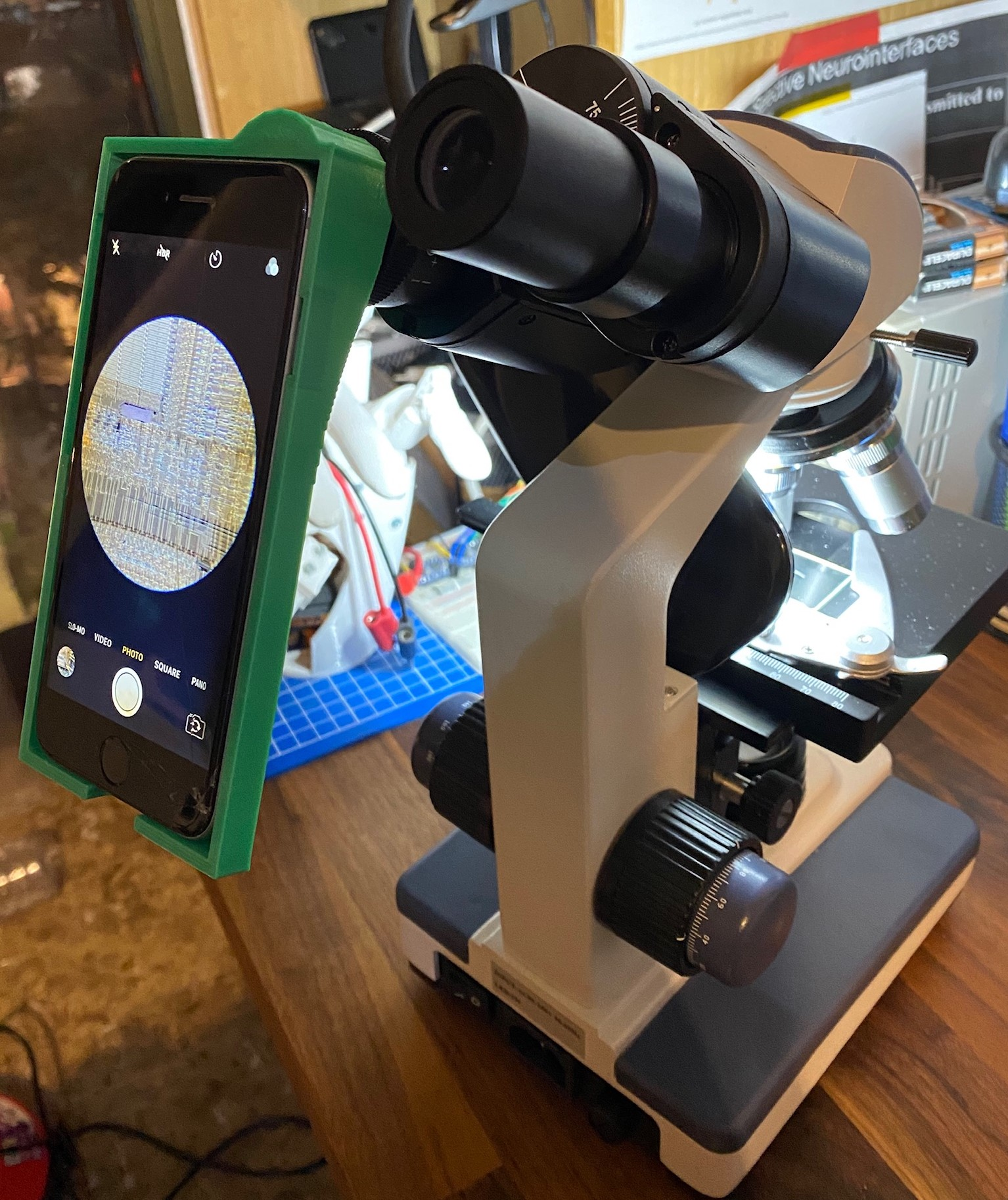 iPhone-microscope adapter in action